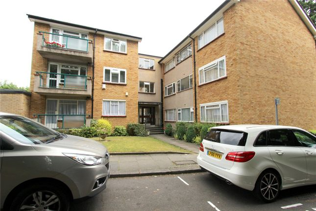 Thumbnail Flat to rent in Timberdene, Holders Hill Road, London