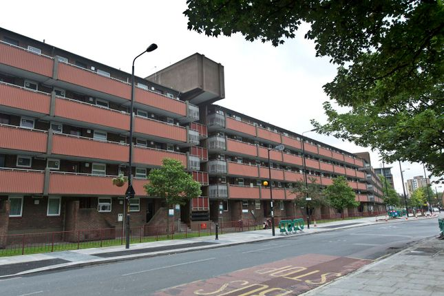 Thumbnail Flat to rent in Rotherhithe New Road, London