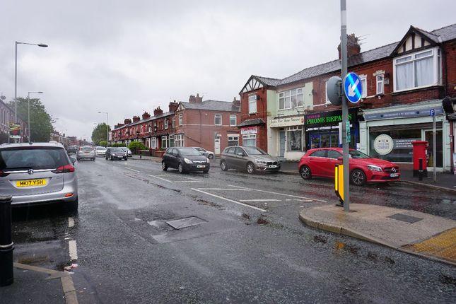 Flat to rent in Gorton Road, Reddish