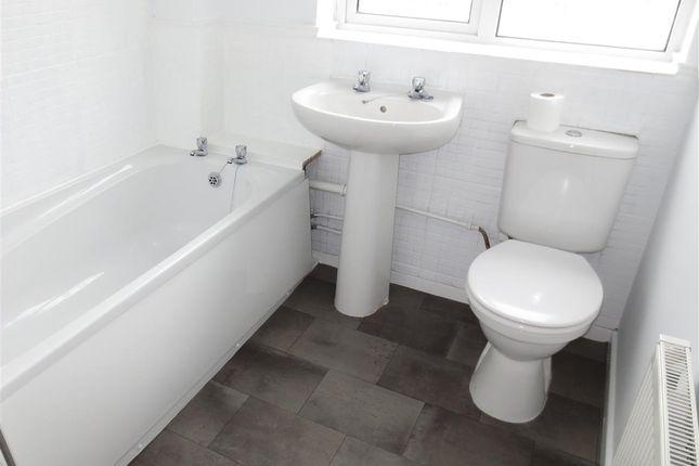 Bathroom of Millhaven Avenue, Birmingham B30