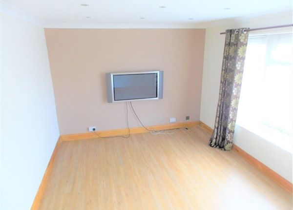 Thumbnail Flat to rent in Norwood Gardens, Hayes, Greater London, United Kingdom