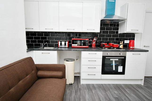 4 bed terraced house to rent in Coultate Street, Burnley BB12