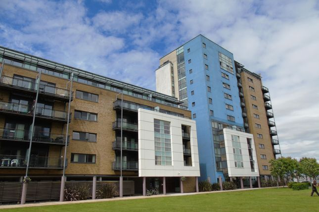 2 bed flat to rent in Jones Point House, Prospect Place, Cardiff Bay, Cardiff