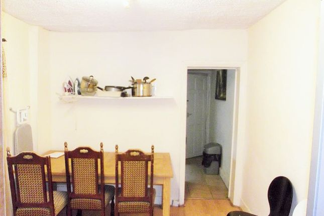 Room to rent in St. Georges Road, London