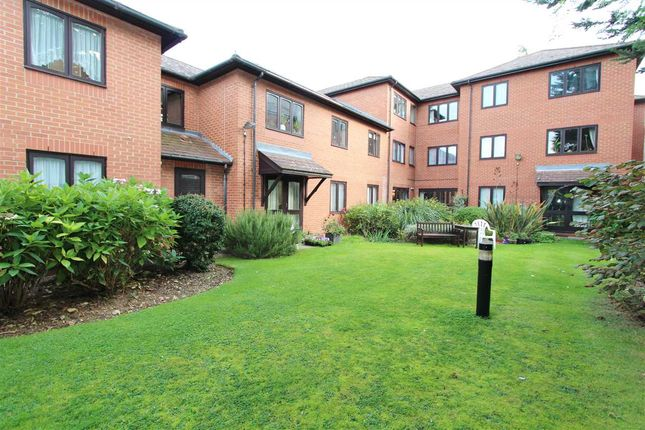 Thumbnail Flat to rent in Hanbury Court, Northwick Park Road, Harrow