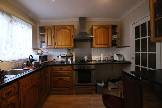 Thumbnail Property to rent in Benhill Wood Road, Sutton