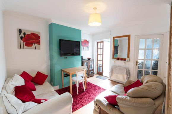 Thumbnail Terraced house to rent in Castle Avenue, Rochester, Medway