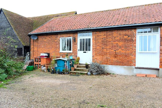 Thumbnail Barn conversion to rent in Bury Chase, Felsted