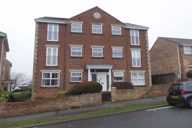 2 bed flat to rent in Bluehill Lane, Leeds, West Yorkshire LS12