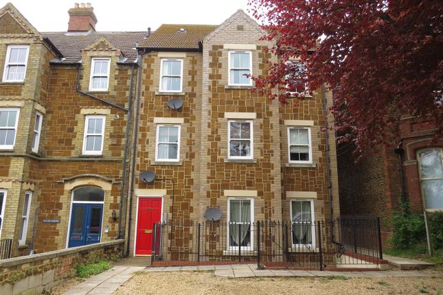 Thumbnail Flat for sale in Avenue Road, Hunstanton