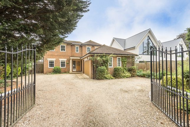 Thumbnail Detached house to rent in Blackpond Lane, Farnham Royal, Slough