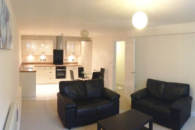 3 bed flat to rent in Wow, 3 Bed, 3 Bath, Immaculate Presentation