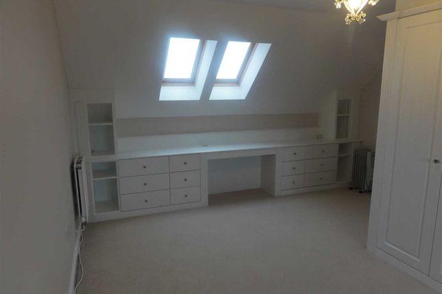 Top Floor Bedroom 5