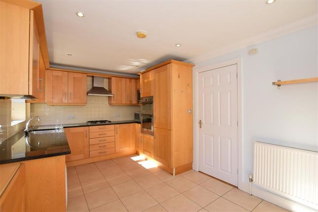 Thumbnail Town house for sale in Pier Road, Greenhithe, Kent