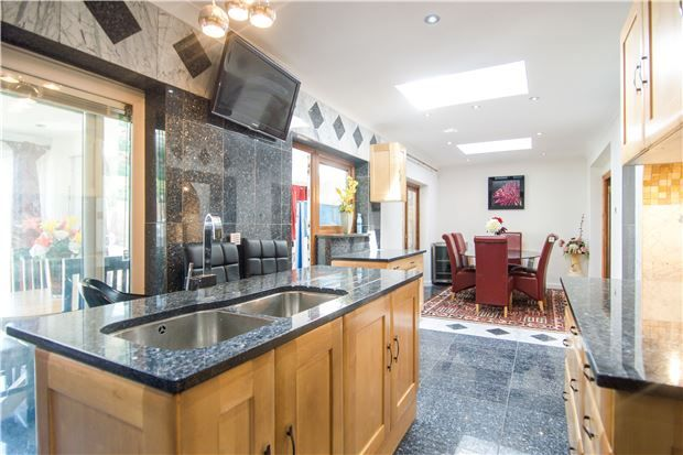 7 bed semi-detached house for sale in Salmon Street, London
