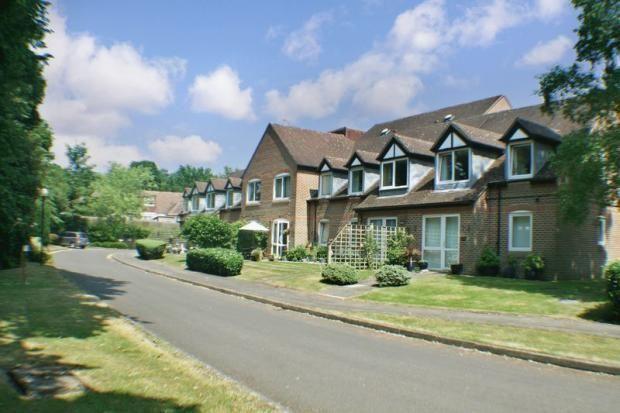 Thumbnail Property for sale in High Street, Sandhurst, Berkshire