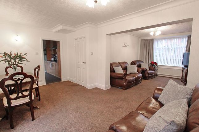 Overview of Lowther Road, Prestwich, Manchester M25