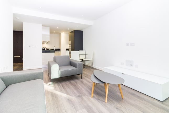 Thumbnail Flat to rent in Goodman's Fields, Catalina House, Aldgate
