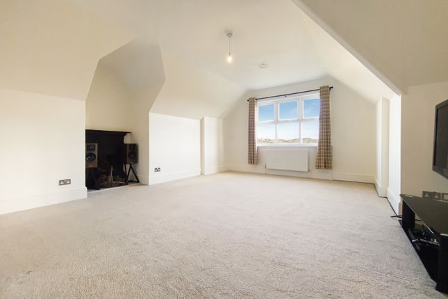 3 bed flat for sale in Box Ridge Road, Purley, Surrey CR8