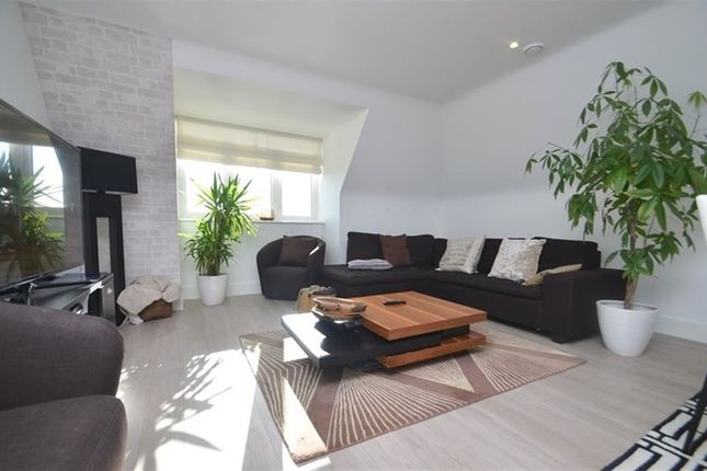 Thumbnail Property to rent in Piccadilly House, Pembroke Road, Ruislip