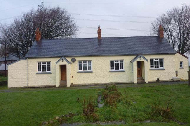 Thumbnail Bungalow to rent in Bwlchnewydd Road, Laugharne, Carmarthen