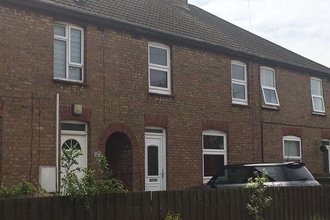 Thumbnail Terraced house to rent in Stonald Avenue, Whittlesey
