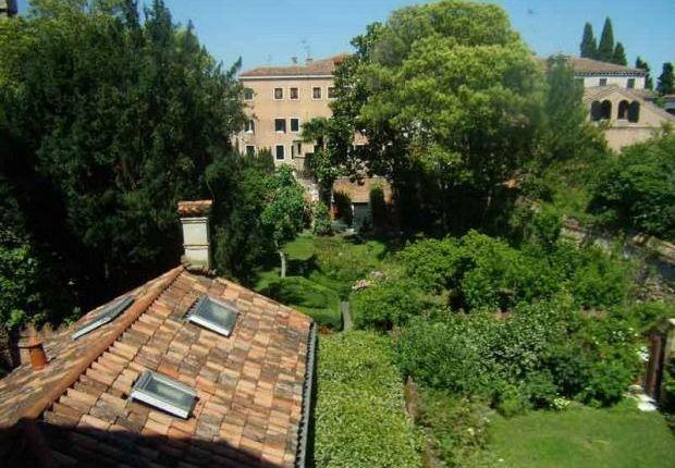2 bed apartment for sale in Ca' Della Misericordia, Cannaregio, Venice, Italy