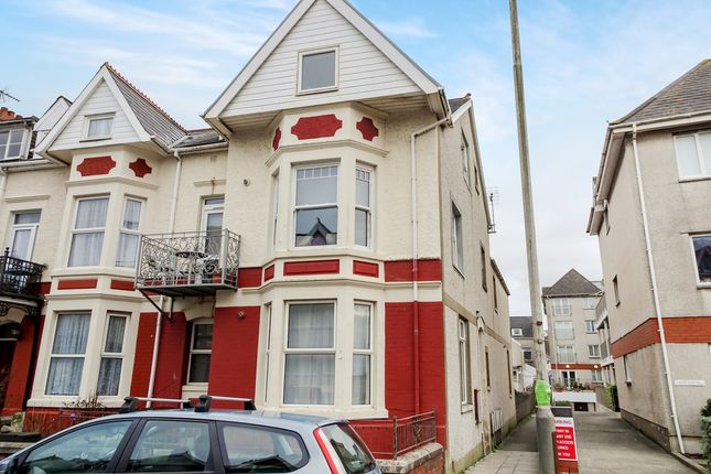 Thumbnail Flat for sale in Esplanade Avenue, Porthcawl