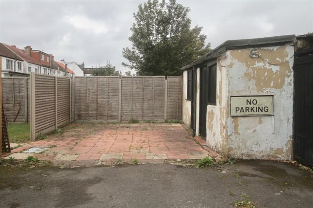 Thumbnail Property for sale in Windmill Road, Croydon