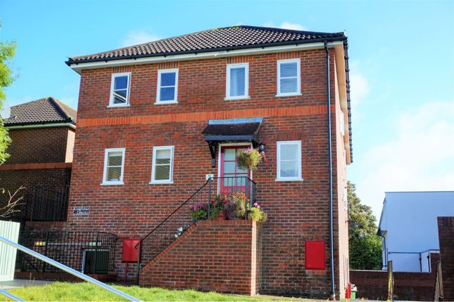 Thumbnail Terraced house for sale in Raven Square, Alton