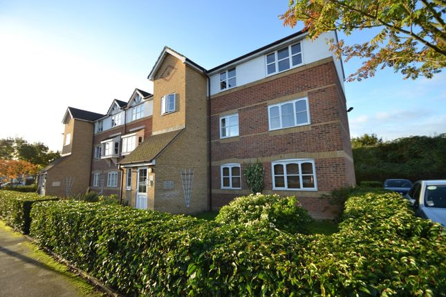 1 bed flat to rent in Donald Woods Gardens, Tolworth, Surbiton
