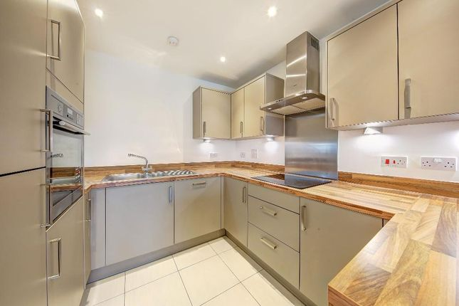 Thumbnail Flat for sale in Kingston Road, Wimbledon Chase