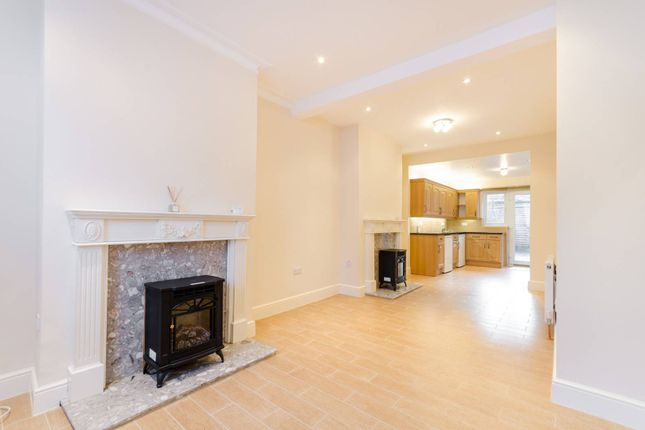 Thumbnail Property to rent in Charnwood Road, South Norwood