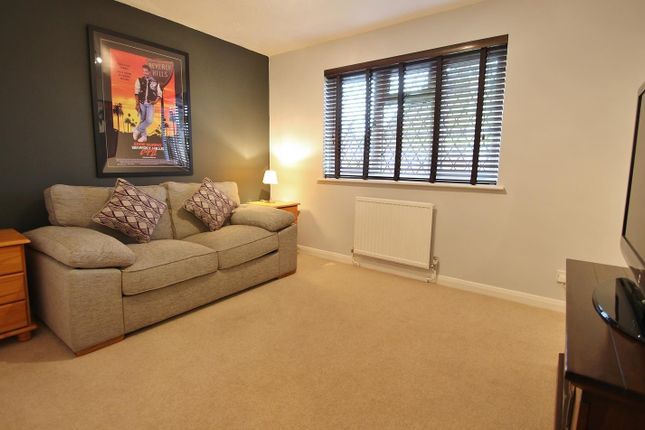 Bed 2 of Farmiloe Close, Purley On Thames, Reading RG8