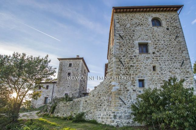 9 bed property for sale in Todi, Umbria, Italy