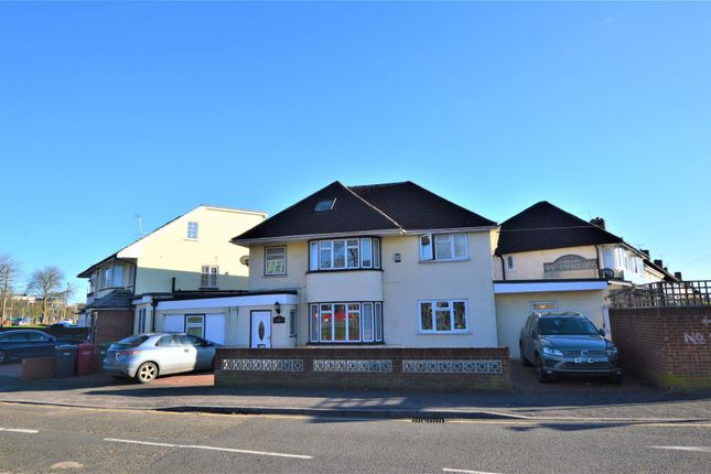 Thumbnail Property for sale in Cippenham Lane, Cippenham, Slough