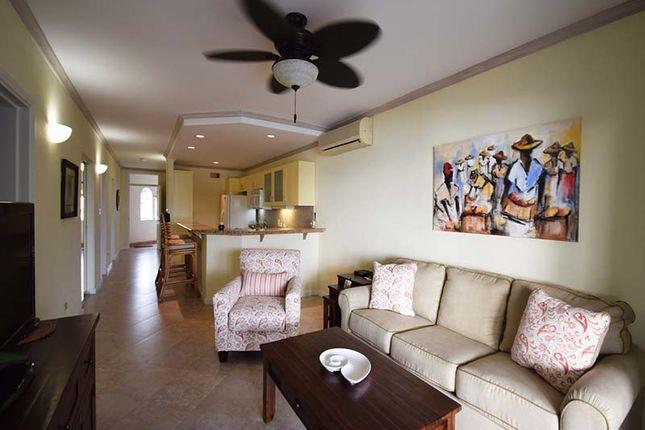 Maxwell Beach Villas - Living Area