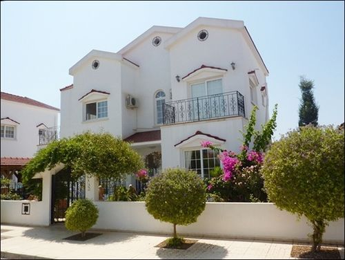 4 bed town house for sale in Bahceler, Yeniiskele, Islele, Famagusta, Cyprus