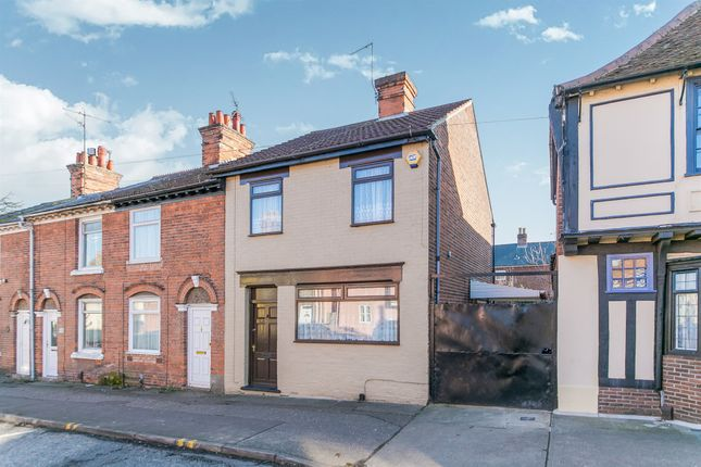 Thumbnail End terrace house for sale in Hythe Hill, Colchester