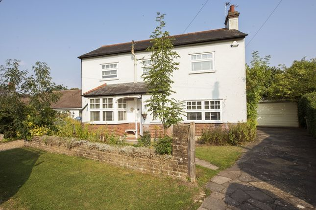 Thumbnail Detached house to rent in The Phygtle, Chalfont St. Peter, Gerrards Cross
