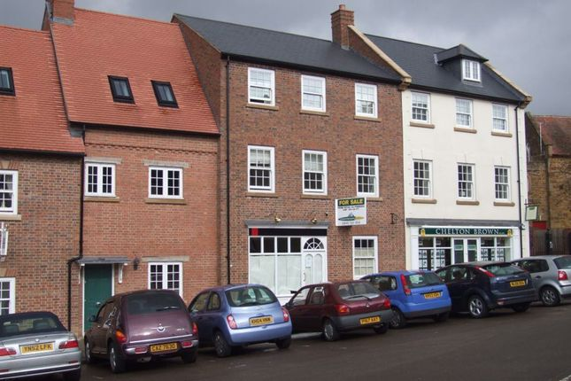 Thumbnail Flat to rent in Market Square, Daventry