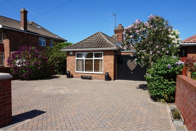 Thumbnail Detached bungalow for sale in Taylors Avenue, Cleethorpes