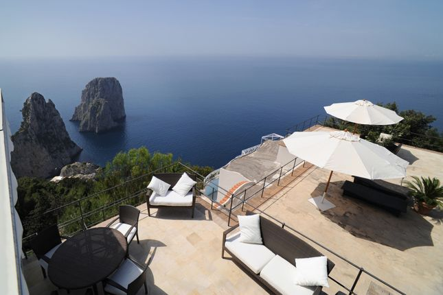 Thumbnail Apartment for sale in Capri, Naples, Campania, Italy