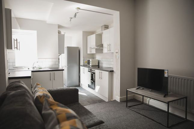 Thumbnail Flat to rent in Cavendish Road, Leicester