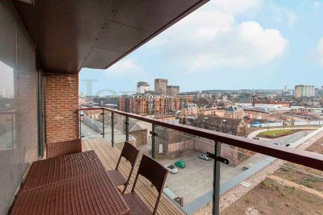 Thumbnail Flat to rent in Imperial Building, Duke Of Wellington Avenue, Royal Arsenal, Riverside