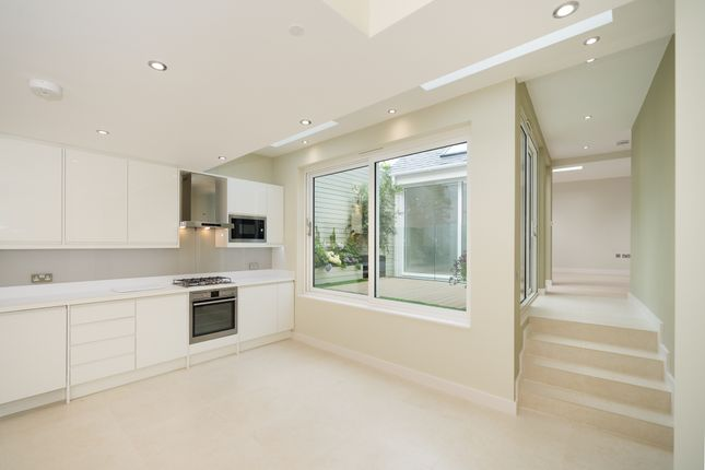 Thumbnail Duplex to rent in The Broadway, London