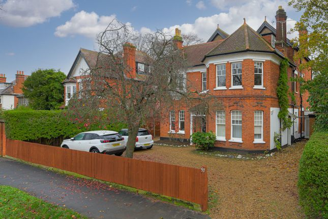 Studio to rent in Wolsey Road, East Molesey KT8
