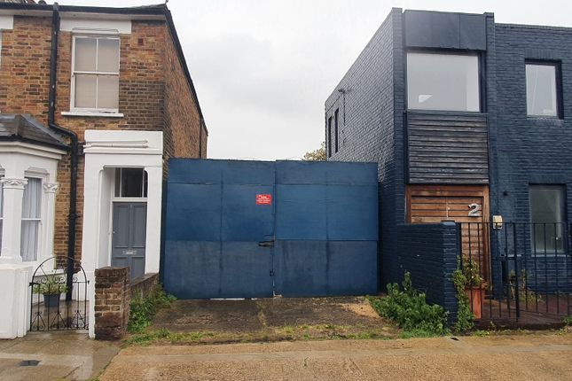 Thumbnail Land to let in Rigeley Mews, London