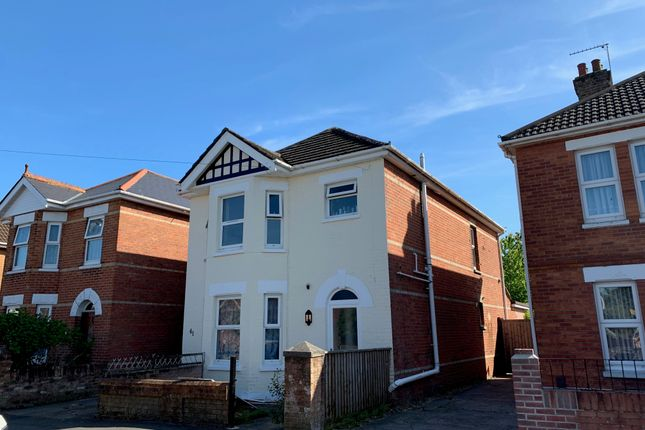 5 bed detached house to rent in Alton Road, Bournemouth BH10