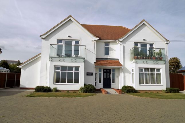 Thumbnail Flat for sale in 77 Kings Parade, Holland-On-Sea